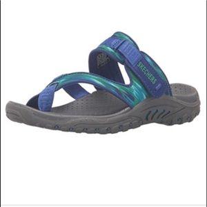 Sketchers Reggae toe ring sandal